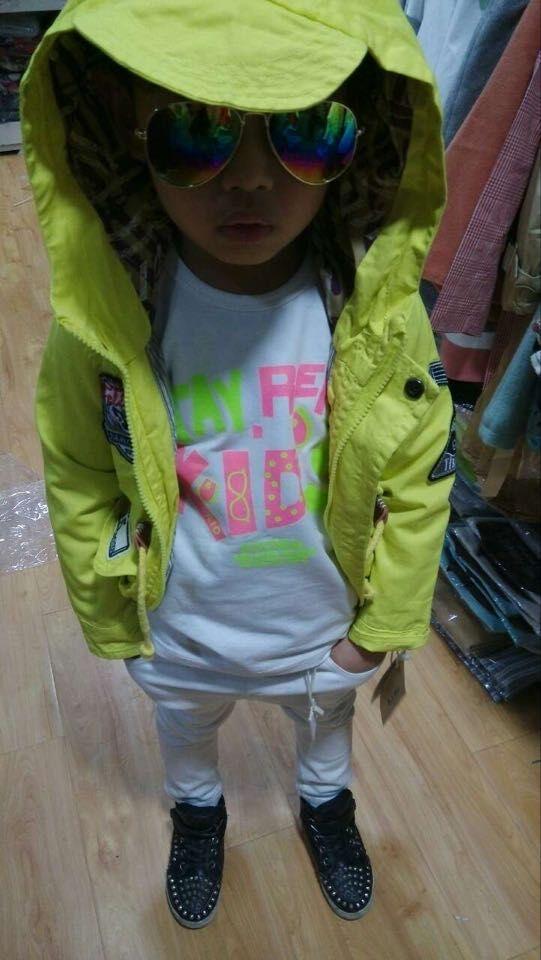 供应时尚休闲童装套装
