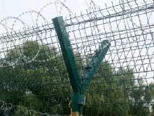 现货贵阳高速公路护栏网生产厂家 贵州监狱护栏网