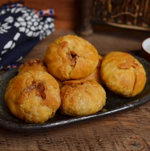 供应 真萃散装小酥饼20斤 梅菜肉馅肉松饼 传统糕点特产