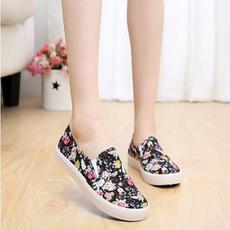 工厂直销 新款厂家直销老北京布鞋休闲甜美花朵平底学生鞋一脚蹬女单鞋