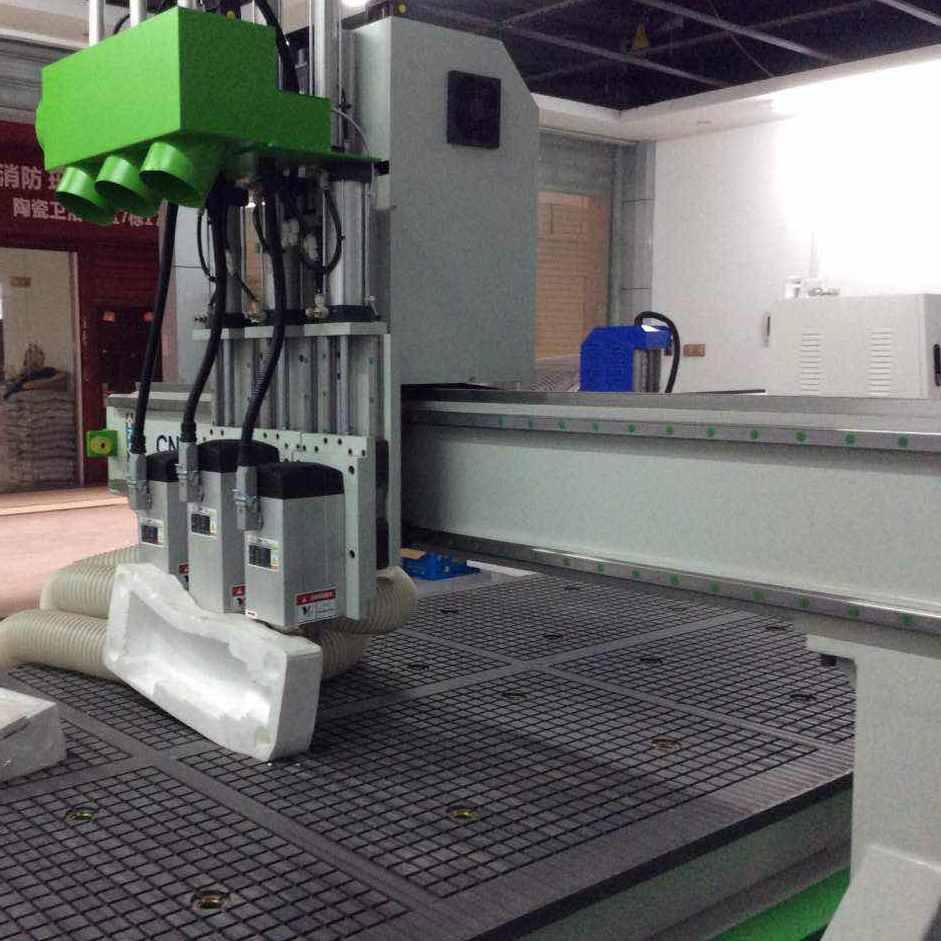 供应 1325三工序木工雕刻机  多工序木工雕刻机    衣柜门雕刻机 橱柜雕刻机