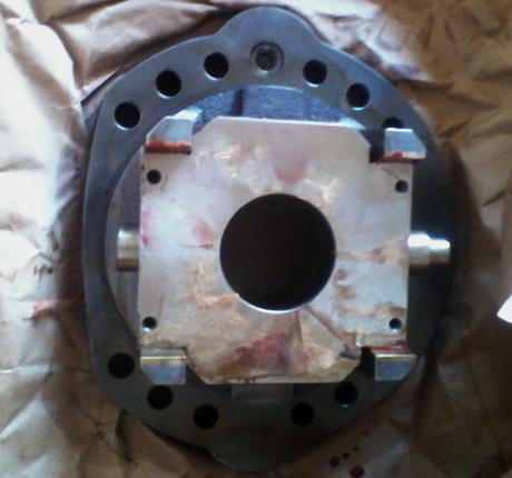供应小松pc200-5液压泵 摇摆总成图片