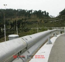重庆乡村公路护栏,质优价廉找上扬护栏