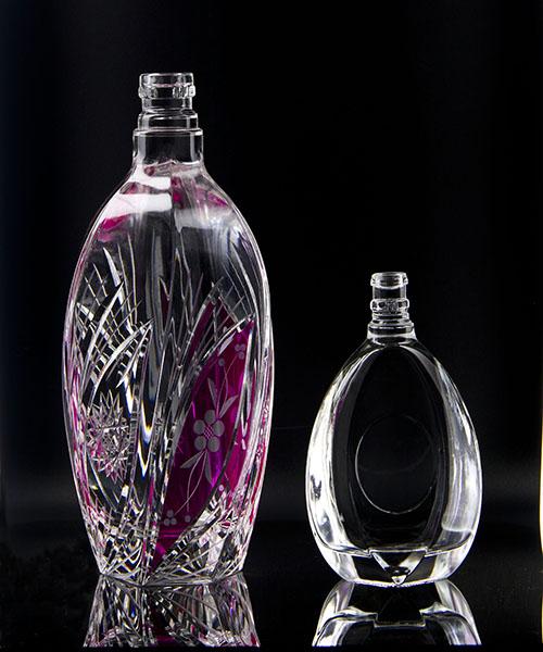 供应 可定制玻璃酒瓶 酒杯 酒壶 玻璃容器