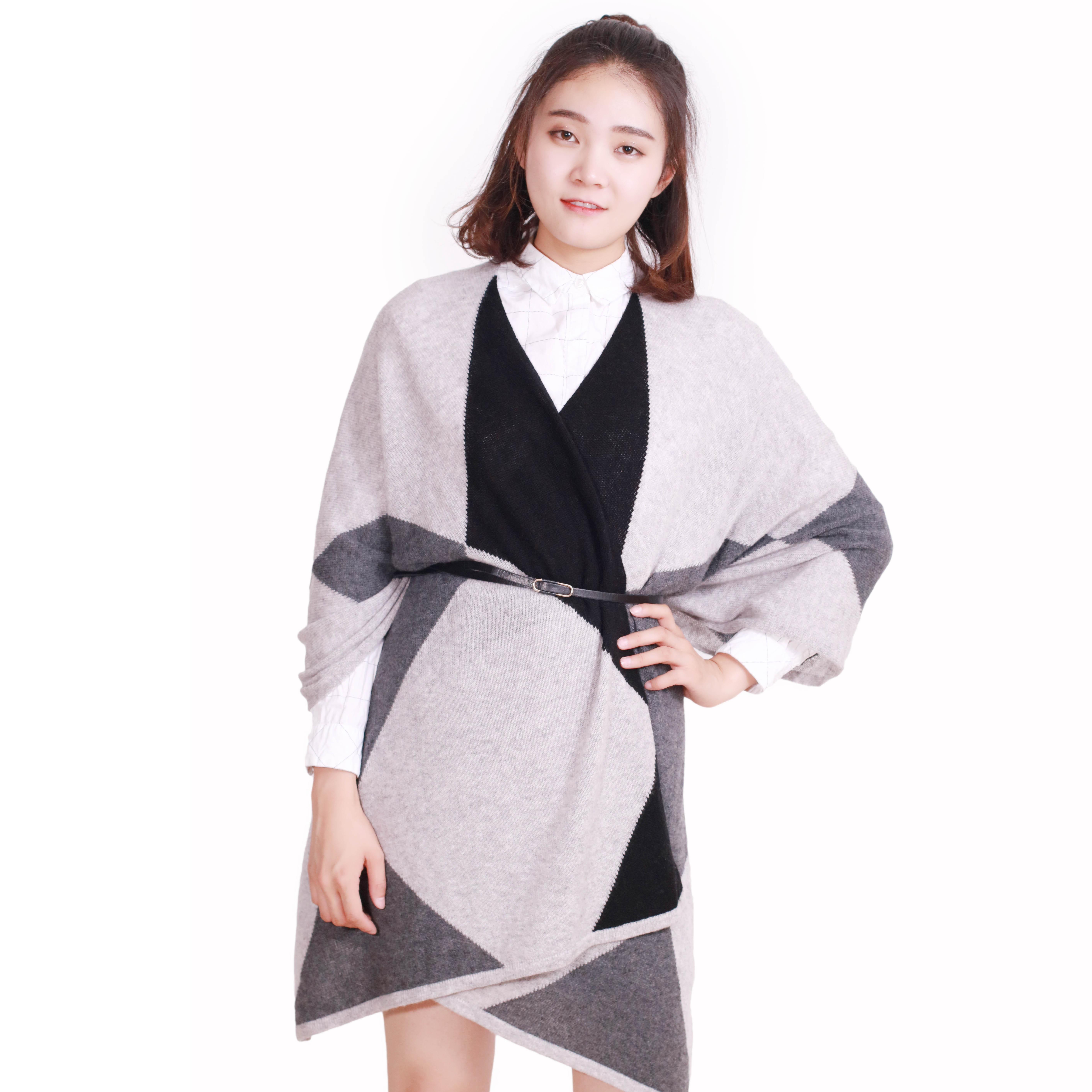 冠鑫新品披肩围巾两用女秋冬冬季中长款羊绒百搭保暖披风外套