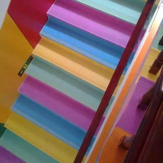 快樂時光直供石家莊幼兒園樓梯整體踏步公司pvc防滑