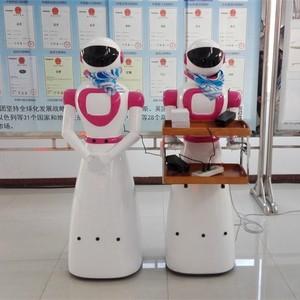 山东卡特热销送餐迎宾服务智能机器人!