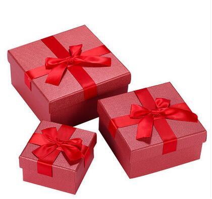 彩色印刷食品礼品牛皮纸盒 创意白牛皮服装包装纸盒子图片