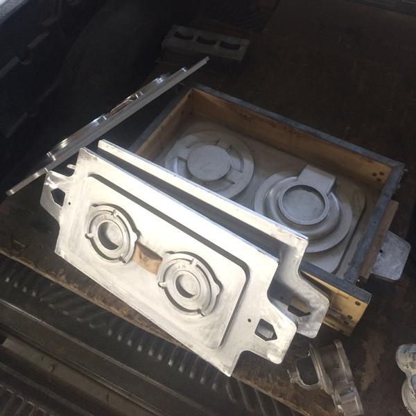 衡骏机械模具定制各类模具型板模具,木型模具,工艺品炊具模具,漏模机,覆膜砂热芯盒