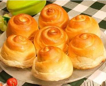 用电烤箱制作蜂蜜小面包