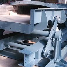 供应单质体式连杆振动输送机