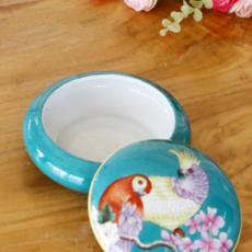 供应欧式纯手绘家居客厅摆件创意礼品扁圆形储物盒陶瓷首饰品盒牙签盒