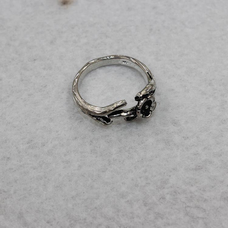 韩版时尚创意式女士花朵款式复古戒指批发 饰品 泰银爆款戒指图片