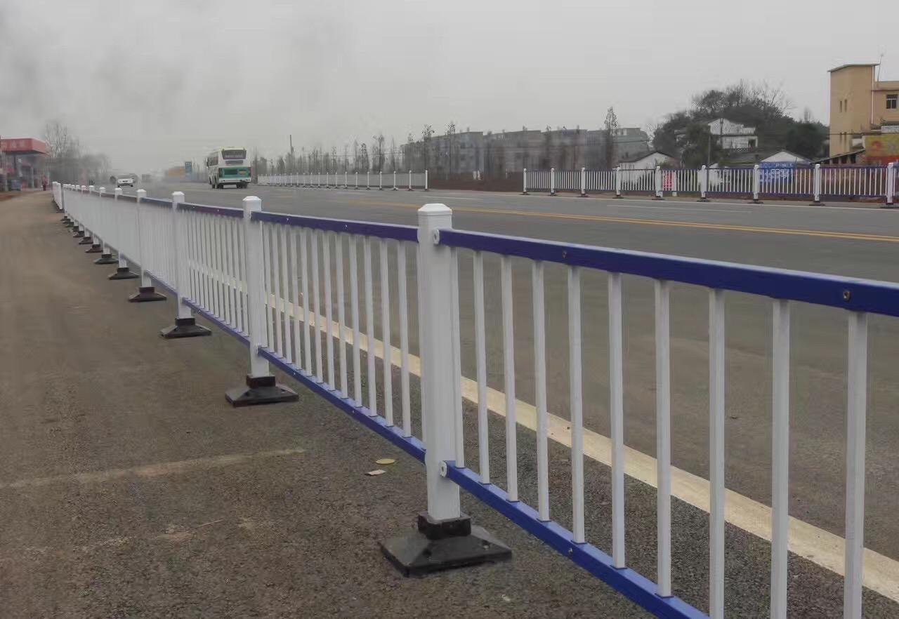 潍坊市政护栏 生产厂家直接报价价格便宜