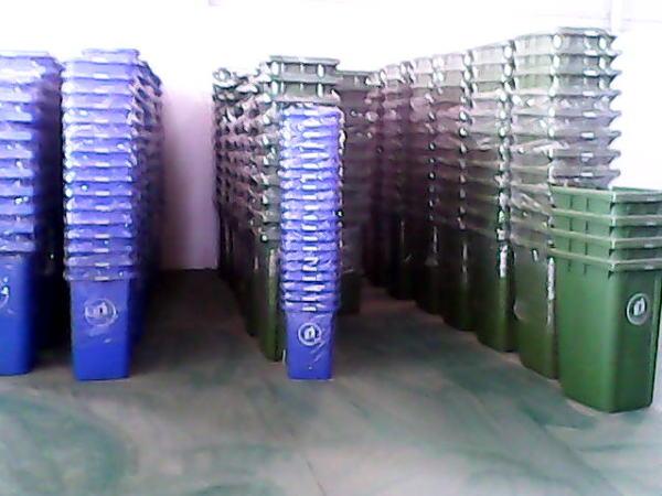 丽江垃圾桶玉溪垃圾桶楚雄垃圾桶厂家