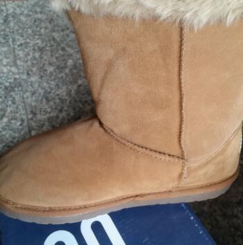 供应 秋季上新雪地靴中筒女鞋反毛皮原盒包装保暖性好