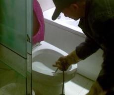 朝阳大屯疏通马桶疏通下水道维修马桶维修下水道高压清洗除尿碱