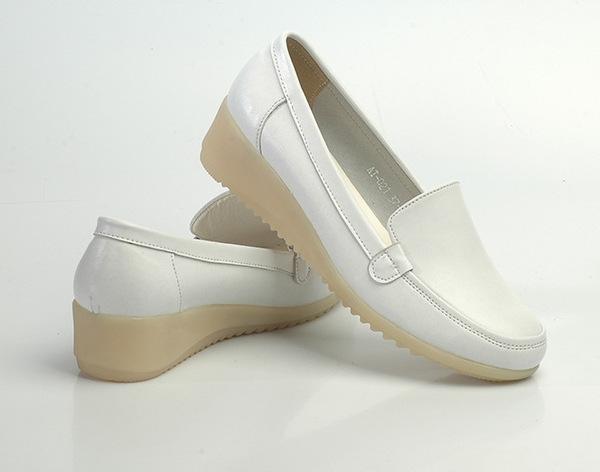 护士鞋_白色护士鞋 坡跟牛筋底女护士工作鞋 美容师鞋妈妈鞋舒适透气性强