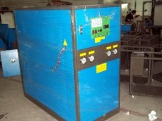 龙鹏强  水冷式 冷水机