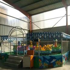 造型更加靓丽的游乐场业绩之王 郑州隆生儿童游乐设备厂家 互动喷球车