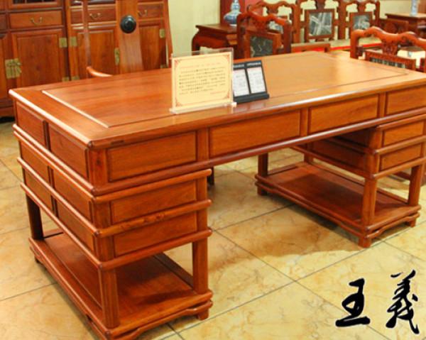 哪家的红木办公桌好 王义红木质量最好价格–中国