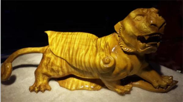 批发 零售 金丝楠木 狮子 雕刻工艺品