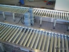 金昌市滚筒线&YY-06可采用积放式实现物料堆积输送机械设备