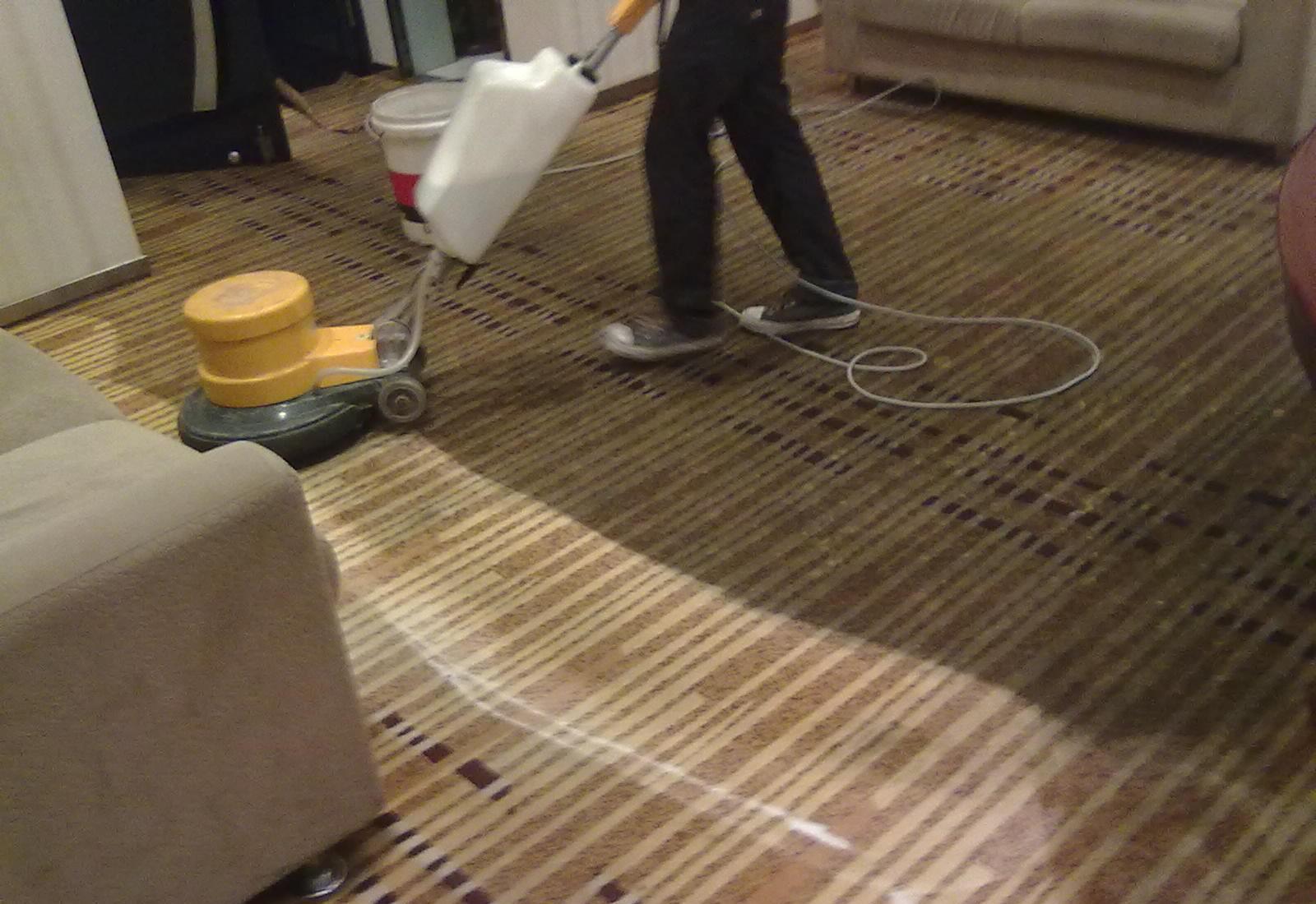 南开区广开街清洗地毯公司—专业承接办公酒店地毯清洗服务价优