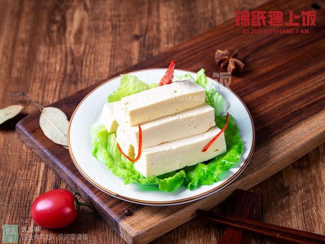 无锡知名锡纸黄焖鸡加盟 创新服务 杭州优溪味餐饮管理供应