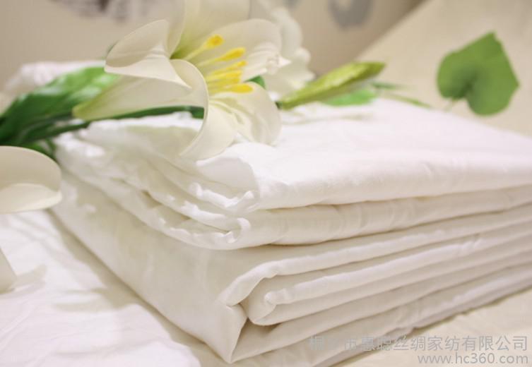 供应蚕丝被芯手工桑蚕丝蚕丝床上用品承接贴牌加工订制正确选择蚕丝被