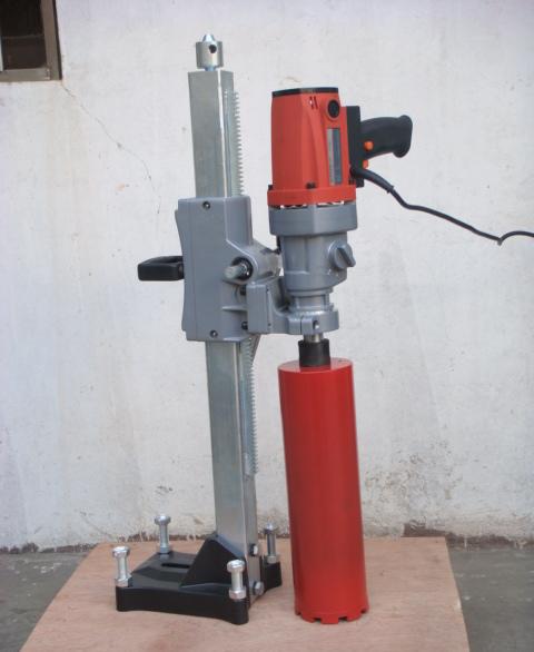高铁专用深孔钻孔取芯机厂家 混凝土取样机价格 岩石钻孔机图片