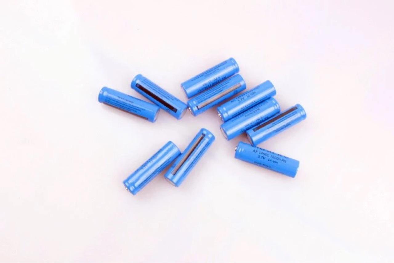 14500锂电池 尖头 3.7V LED强光手电筒 5号电池