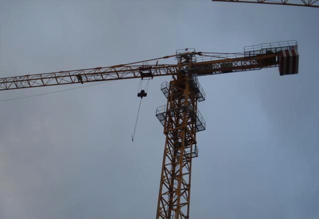产品供应 > 放心塔吊用的安心   山东章丘放心塔机厂是专业生产塔式起图片