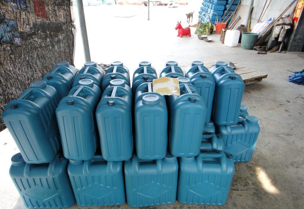 泡沫适用于_301泡沫胶水 本公司生产的泡沫胶水适用于不锈钢门与泡沫之间的粘和