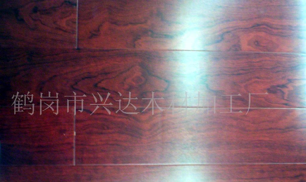 沙比利实木复合地板