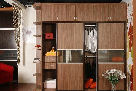 广安整体衣柜定制 酒柜鞋柜;上门测量 设计,量身定做0图片