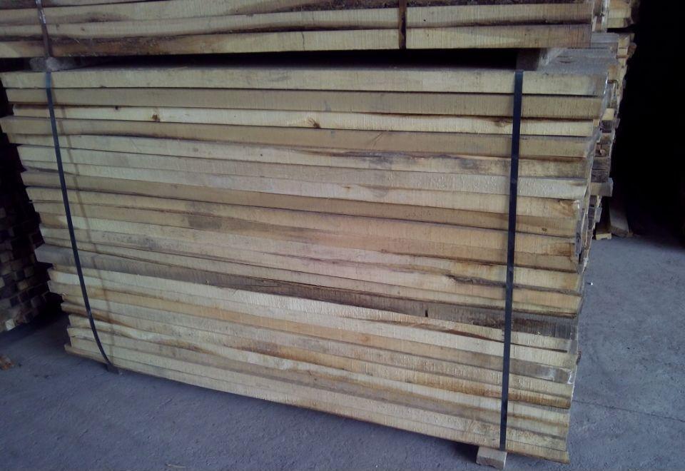 椴木 是一种上等木材 广泛应用于细木工板 木制工艺品的制作