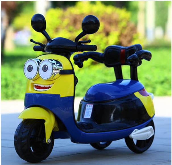 好乐美新款小黄人电动儿童摩托车电动三轮车电动汽车玩具车早教车