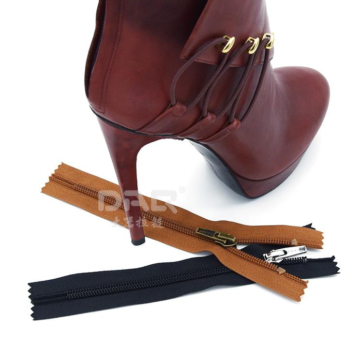 大器拉链DAQ品牌:鞋靴拉链定制,运动服拉链,尼龙拉链厂家直销