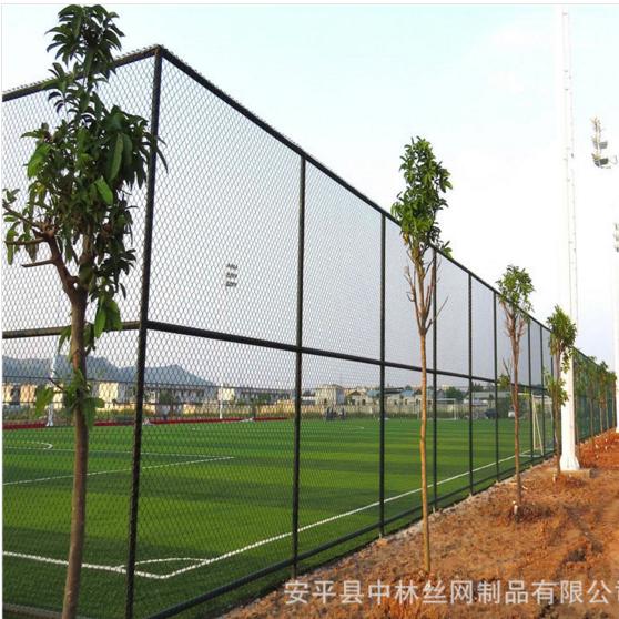7人制篮球场防护围网  包塑安全勾花网  喷塑篮球场围网厂家