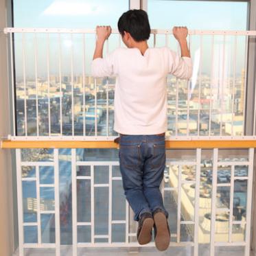 免打孔窗户防护栏 儿童安全窗栏杆 高层飘窗护栏易安装