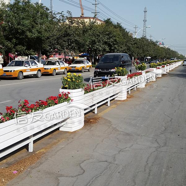 道路隔离栏 隔离带长条组合花箱 花盆铝合金 pvc材质厂家直销