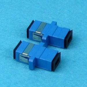 恒贝厂家生产大量SC光纤适配器