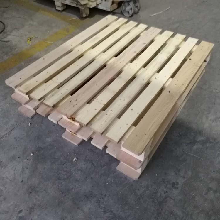 柳桉木托盘定制四面进叉型式多样平度厂家销售交货快