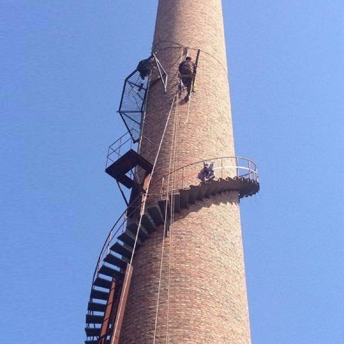 张家口市烟囱旋转梯安装施工单位