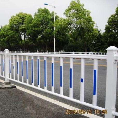 深圳道路车道隔离护栏人行道护栏道路安全护栏农村新型公路护栏抗老化