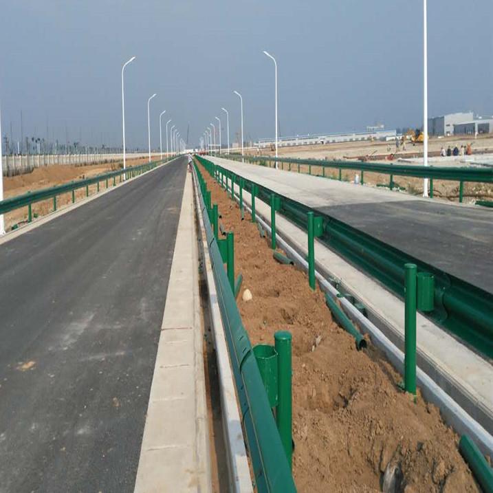 兰州高速喷塑波形护栏厂家直销定制加工波形护栏