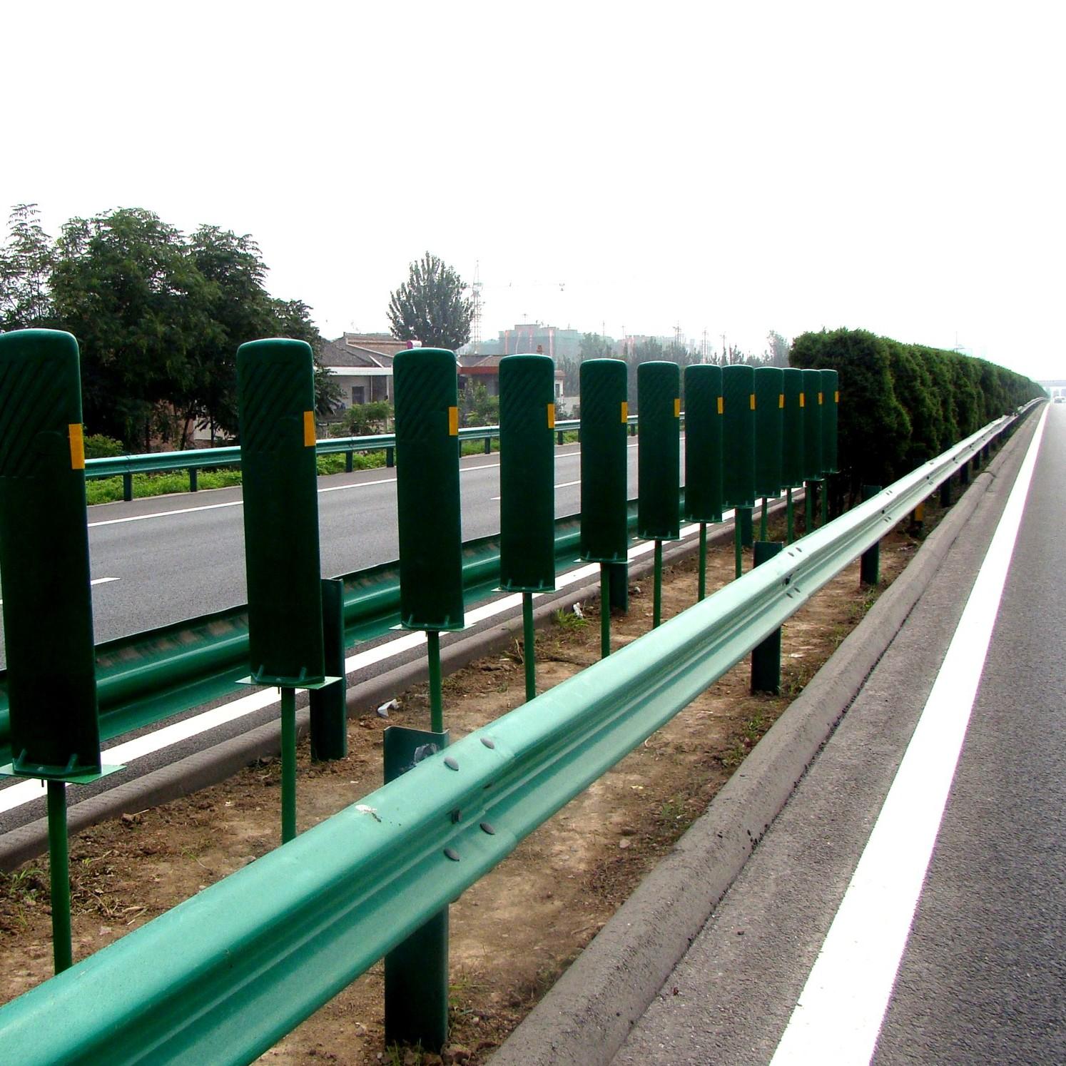 公路专用A级防护波形护栏厂家兰州拉瑞斯