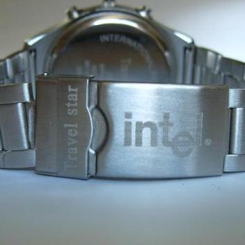 金属不锈钢手表激光加工刻字刻图深圳光纤激光打标机