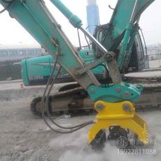 挖掘机振动夯 挖机振动夯厂家价格 斜坡夯实机